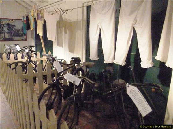 2014-05-17 Brooklands Museum, Weybridge, Surrey (The 1940s Relived).   (601)601