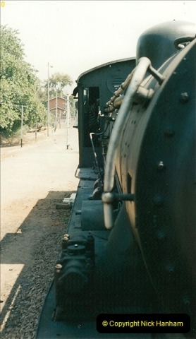 1998-11-03 Victoria Falls to Livingstone by Special Train (26)617