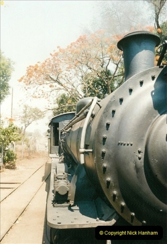 1998-11-03 Victoria Falls to Livingstone by Special Train (28)619