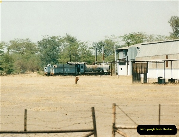 1998-11-03 Victoria Falls to Livingstone by Special Train (33)624