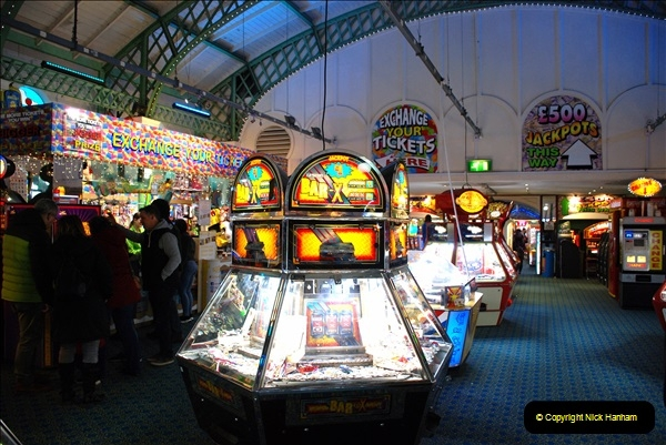 2019-03-11 to 13 Brighton, Sussex. (220) All the fun of the pier. 220