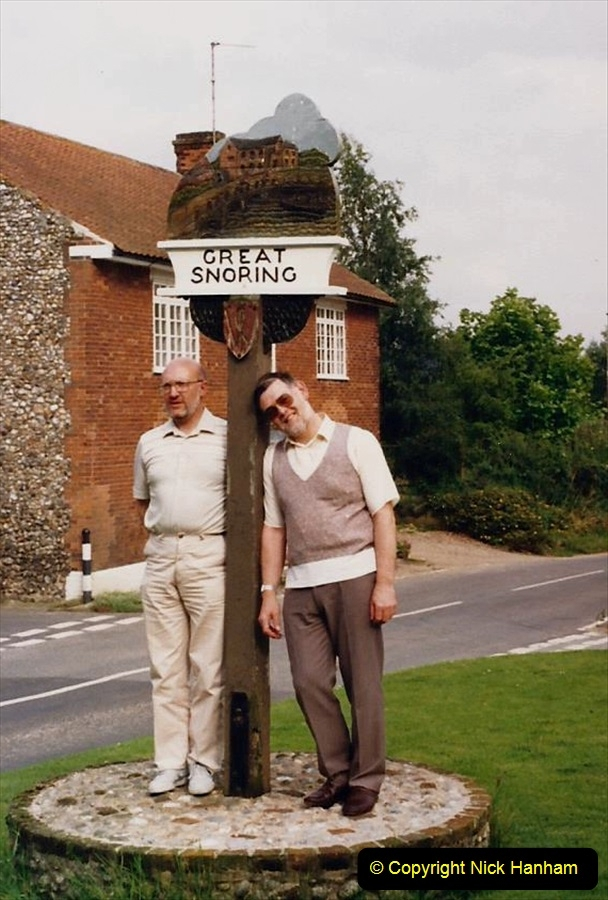 1988 At Great Snoring, Norfolk. Your Host and friend Paul. (60)614420