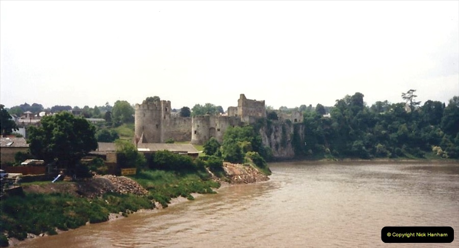 1988 Caerphilly Castle, Glamorgan, South Wales. (35)633446