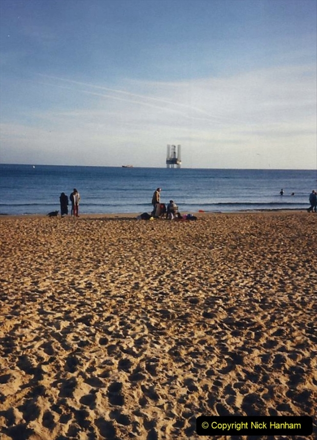 1988 Oil exploration in Poole Bay, Dorset. (6) 739490