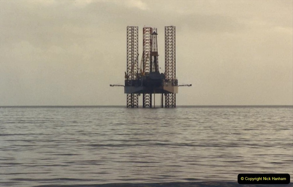 1988 Oil exploration in Poole Bay, Dorset. (8) 741492