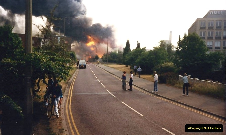 1988 The British Drug Houses fire Poole, Dorset. 21 June. (21)688524