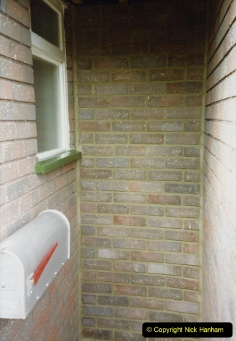 1989 April May June Your Host Building Cloakroom and shower room using alleyway between garage and house. (15)