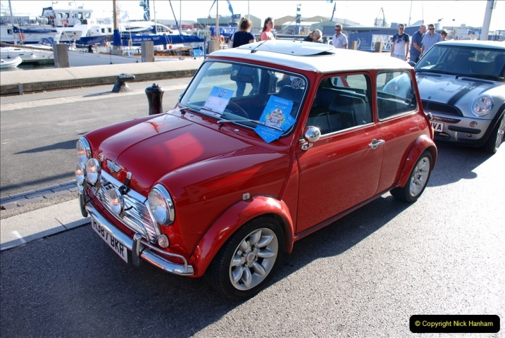 2019-07-12 Minis on Poole Quay. (80) 001