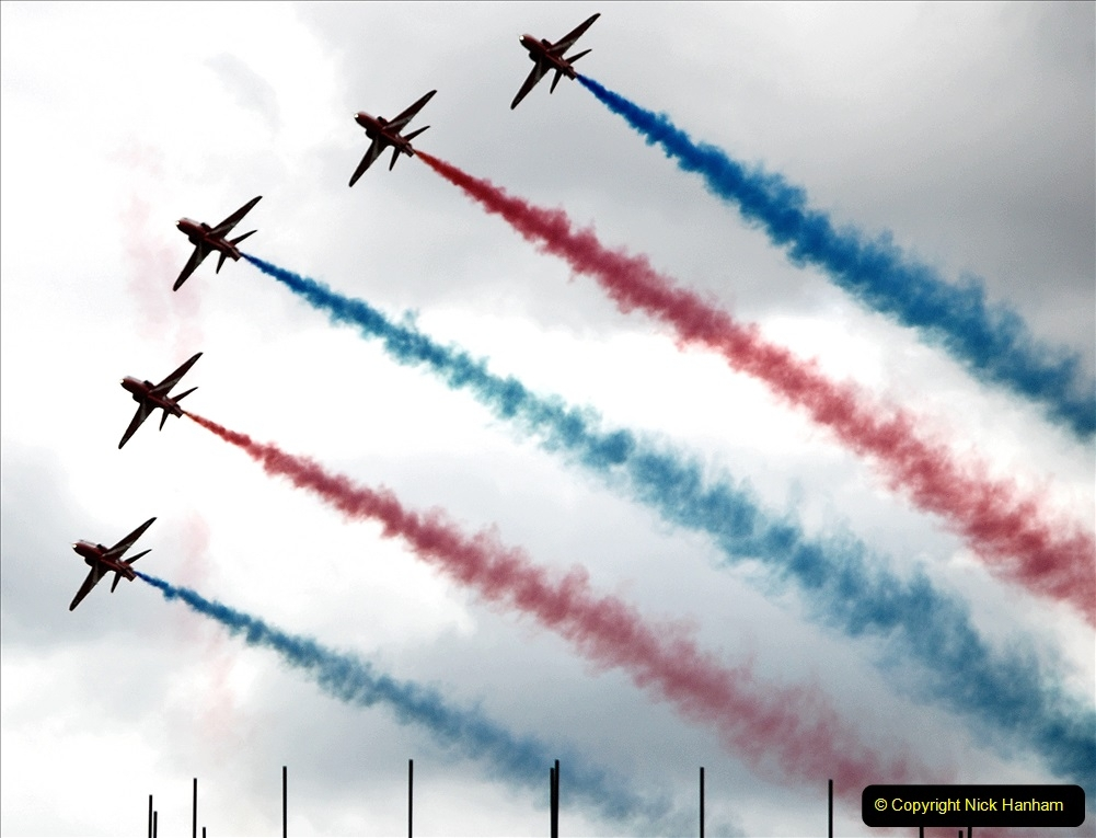 2019-07-13 Yeovilton Air Day. (691) Red Arrows.