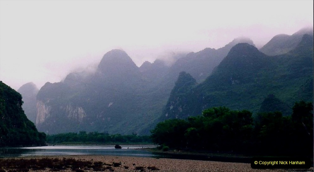 China 1993 April. (72) On the Li or Lijiang River  to Yangshuo. 072