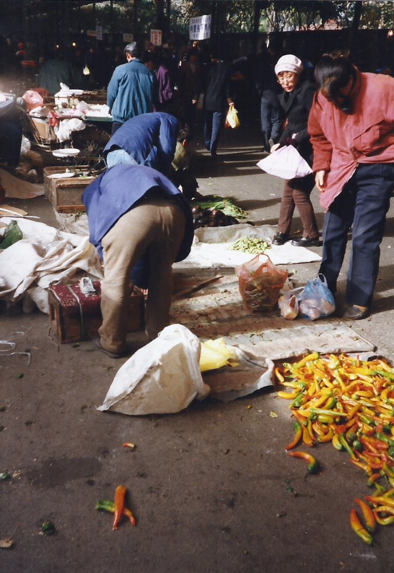 China 1999 October Number 1. (28) Harbin local market.