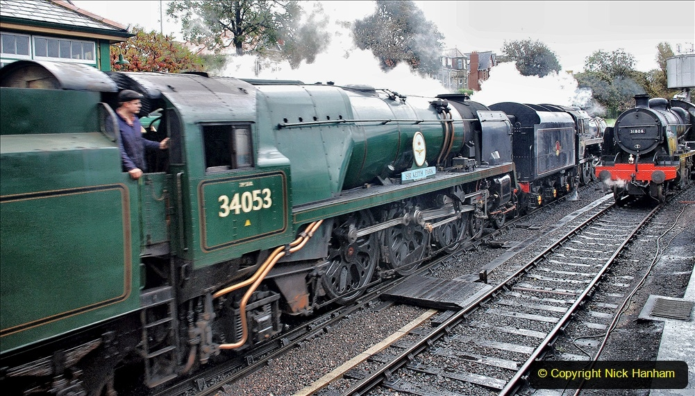 2019-10-11 Six Locomotives for the SR Autumn Steam Gala. (136) 136