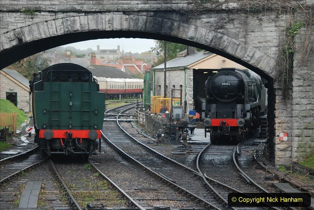 2019-10-11 Six Locomotives for the SR Autumn Steam Gala. (195) 195