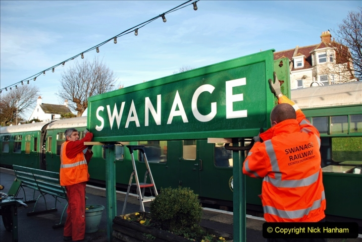 2019-11-28 The SR no running day Swanage to Wareham. (101) A sign of the times. 101