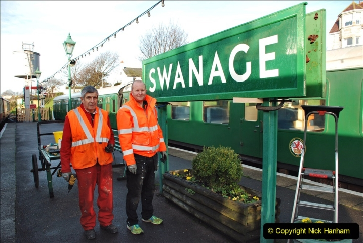 2019-11-28 The SR no running day Swanage to Wareham. (103) A sign of the times. 103