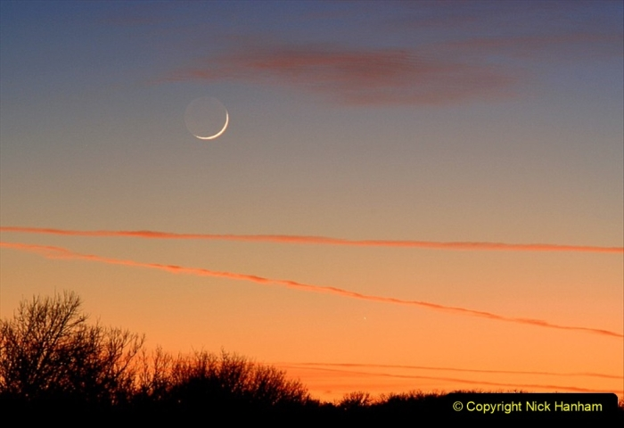 Astronomy Pictures. (94) 094