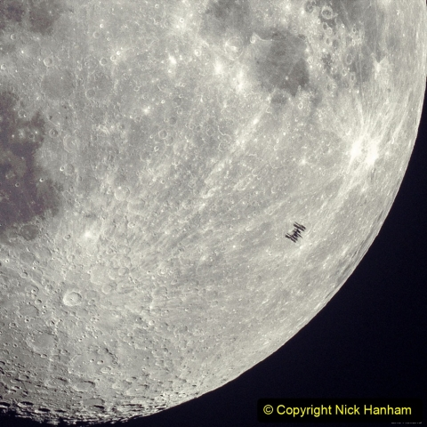 Astronomy Pictures. (413) 413