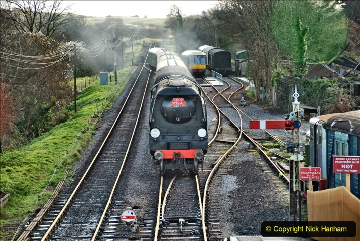 2019-12-07 SR Santa Specials Gallery 1. (76) Corfe Castle. 076