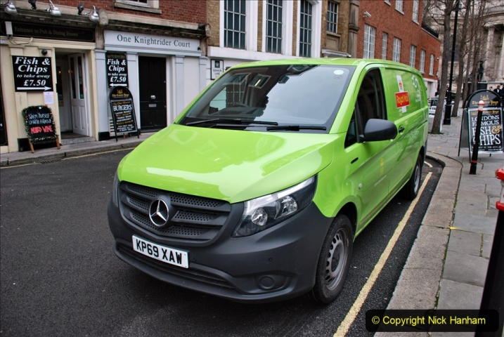 2019-12-16 London. (107) Royal Mail goes electric. 107