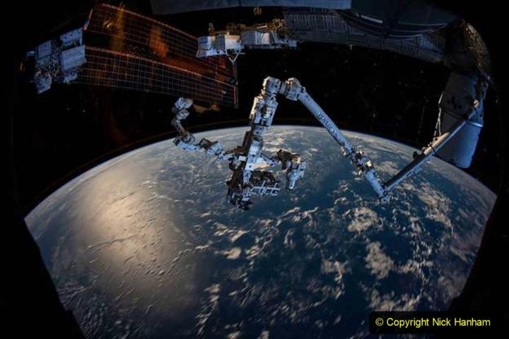 Astronomy. (82) 082