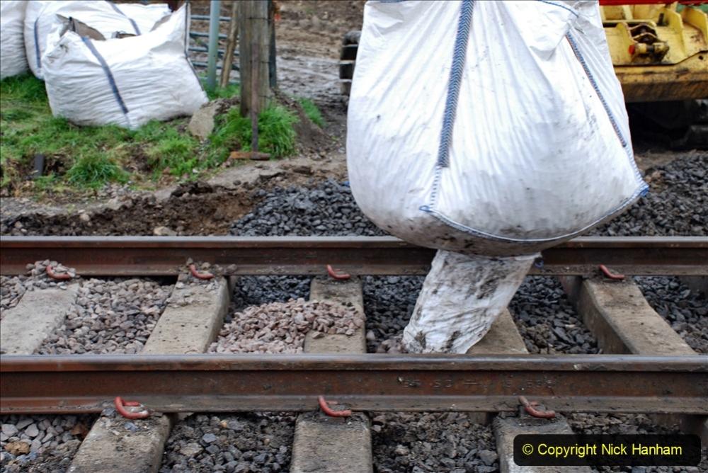 2020-02-06 Track renewal work & Tamper. (33) 033