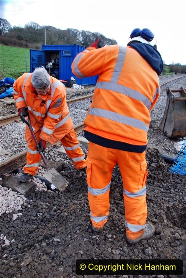 2020-02-06 Track renewal work & Tamper. (48) 048