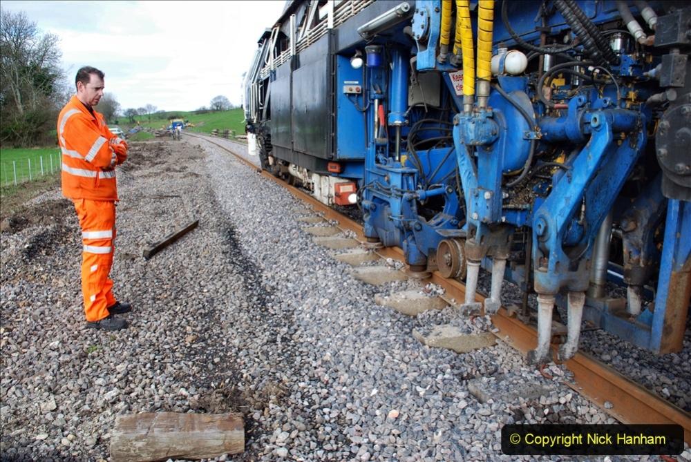 2020-02-06 Track renewal work & Tamper. (59) 059