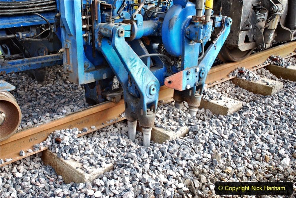 2020-02-06 Track renewal work & Tamper. (62) 062