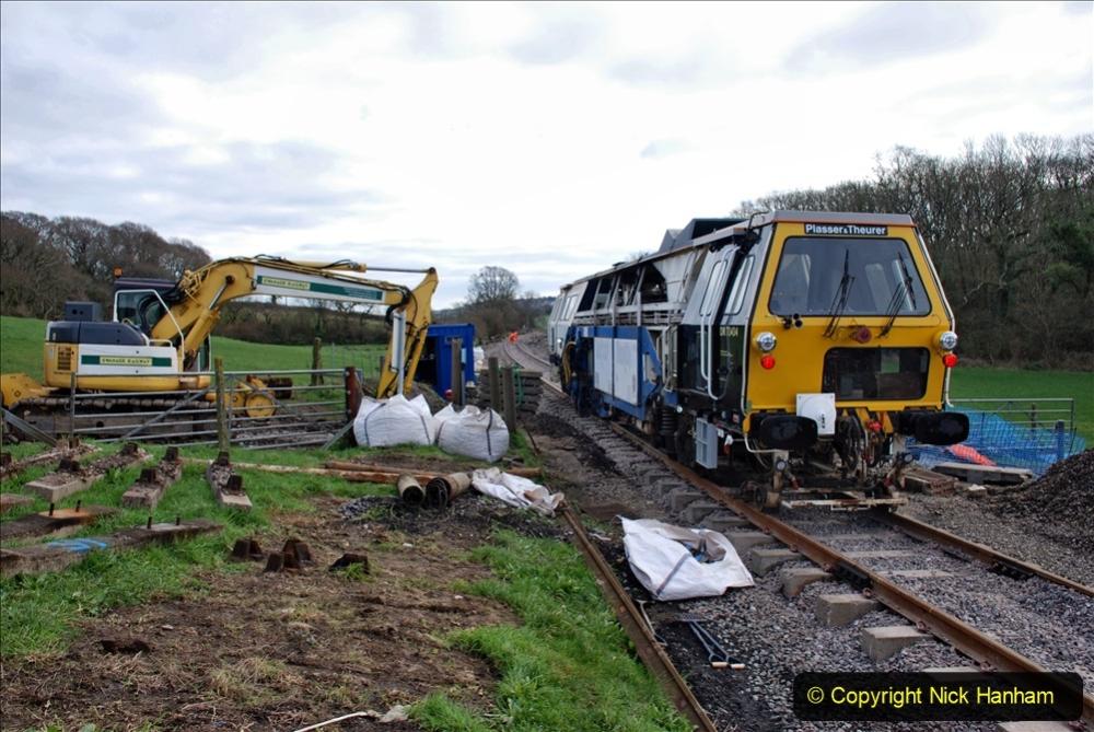 2020-02-06 Track renewal work & Tamper. (82) 082