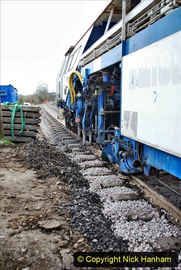 2020-02-06 Track renewal work & Tamper. (83) 083