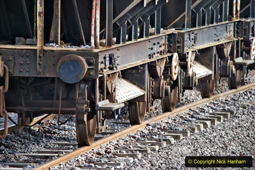 2020-02-06 Track renewal work & Tamper. (112) 112