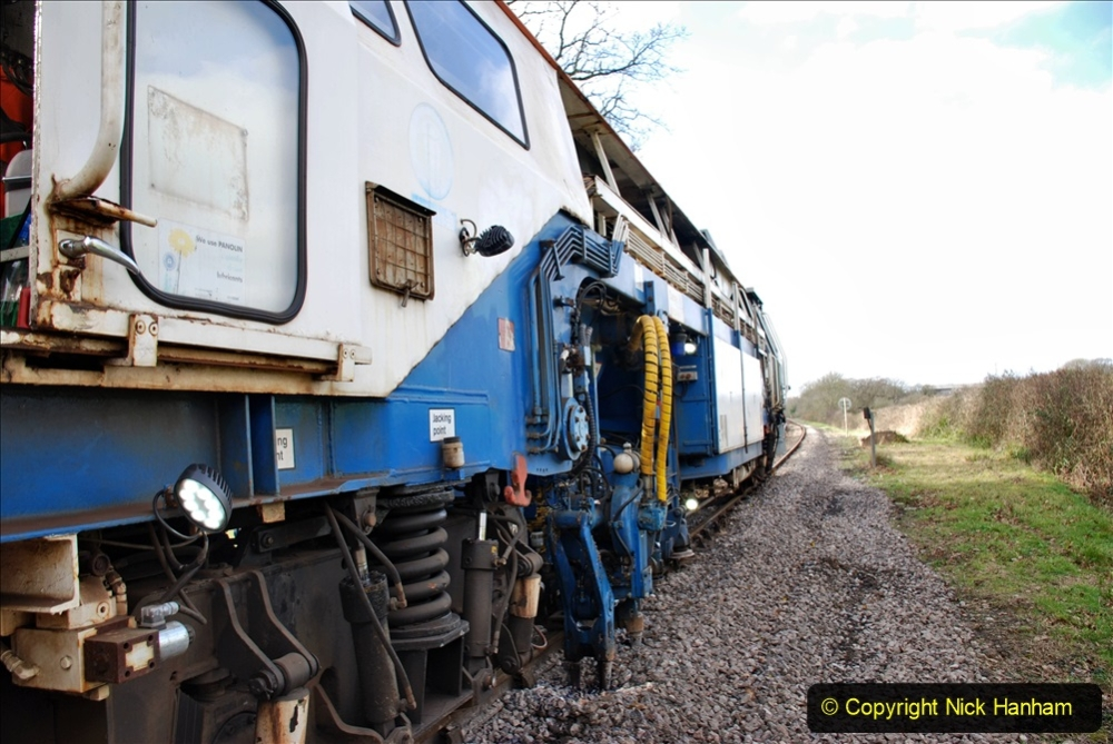 2020-02-06 Track renewal work & Tamper. (141) 141