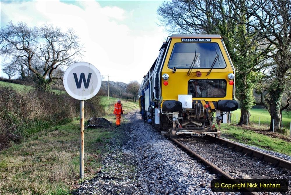 2020-02-06 Track renewal work & Tamper. (152) 152