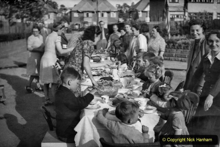 1945 Street Parties. (3) 003