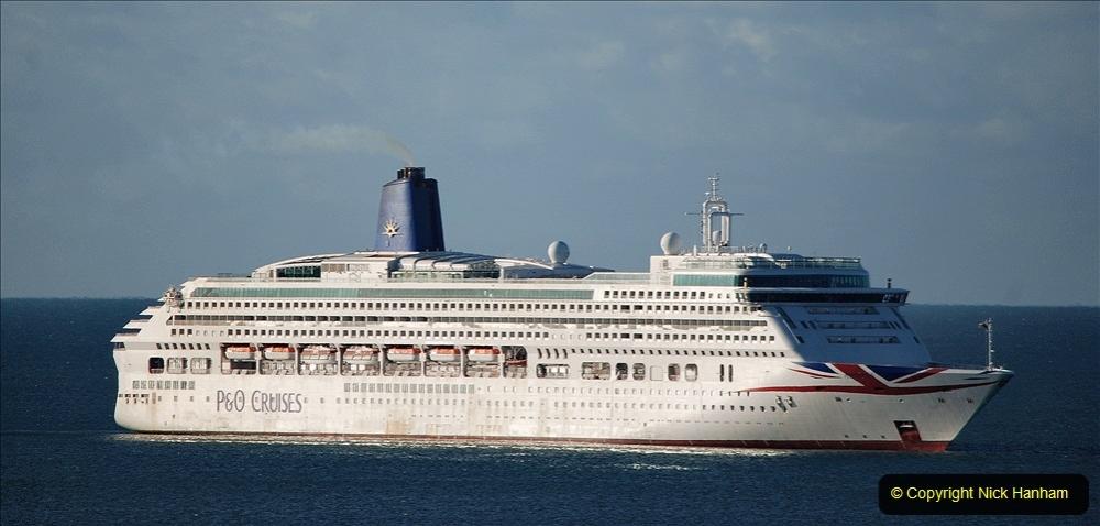 2020-09-26 Poole Bay. (19) P&O Aurora. 29