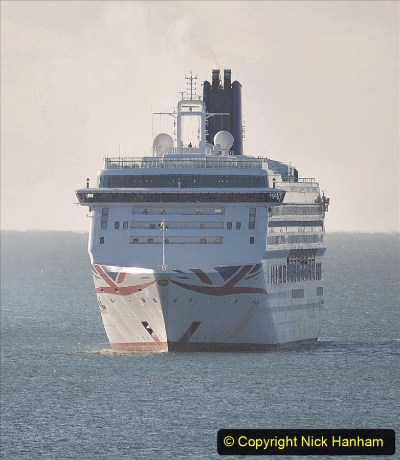 2020-09-26 Poole Bay. (20) P&O Aurora. 30