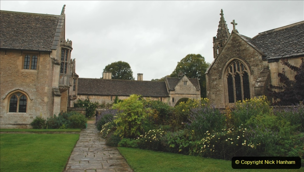 2020-09-30 Covid 19 Visit to Great Chalfield Manor & Gardens, Wiltshire. (19) 019