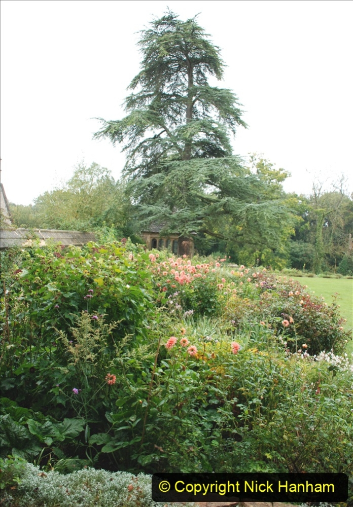 2020-09-30 Covid 19 Visit to Great Chalfield Manor & Gardens, Wiltshire. (34) 034