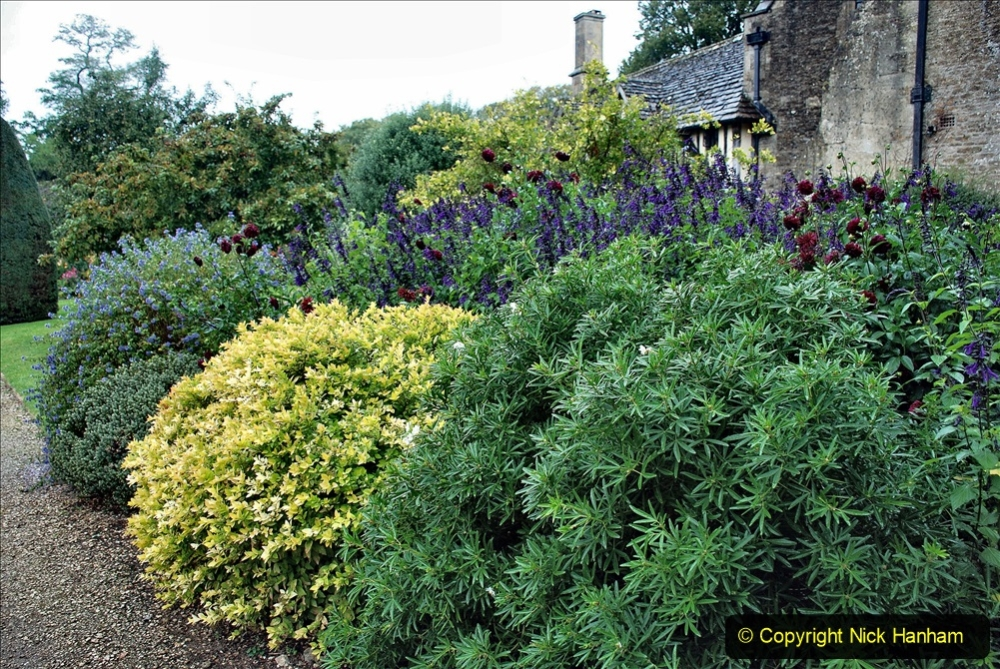 2020-09-30 Covid 19 Visit to Great Chalfield Manor & Gardens, Wiltshire. (104) 104