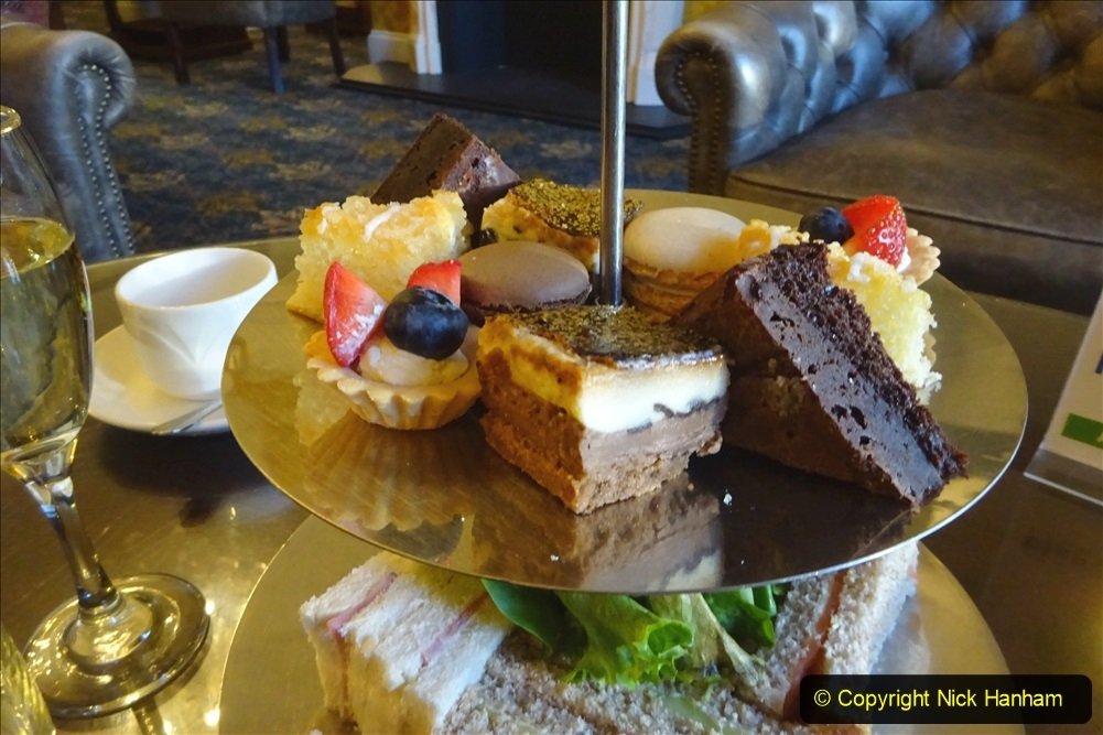 2020-11-04 Afternoon Tea at The Norfolk Royal in Bournemouth before lockdown 2. (17) 017