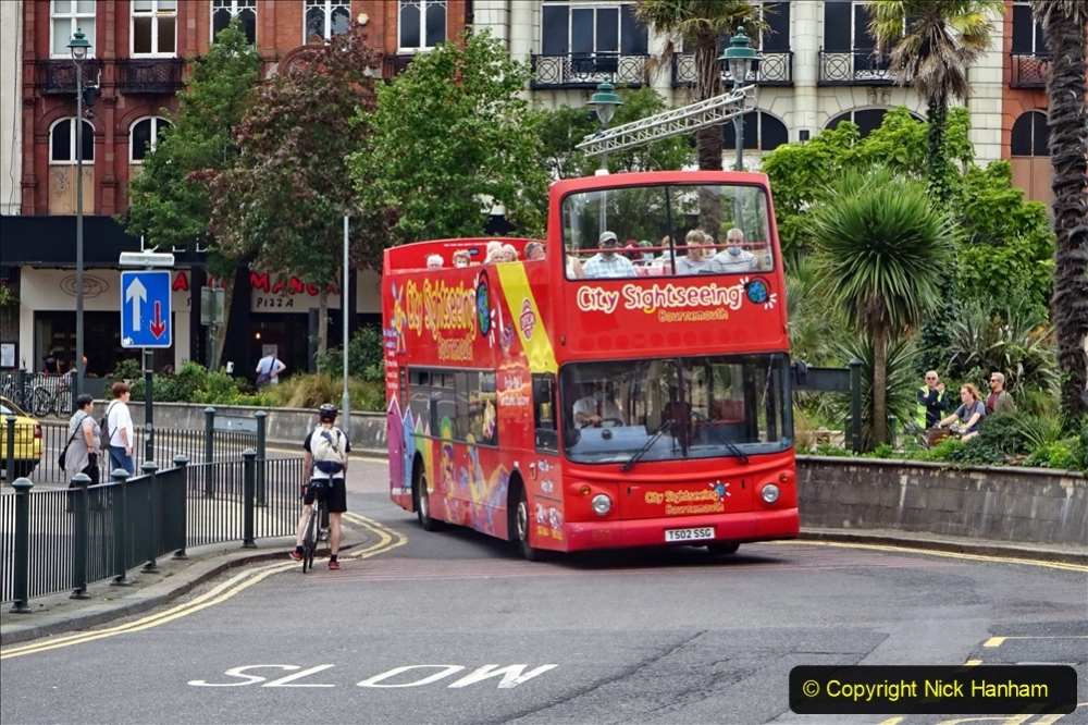 2020-09-09 More Yellow Buses Bournemouth Square. (5) 177
