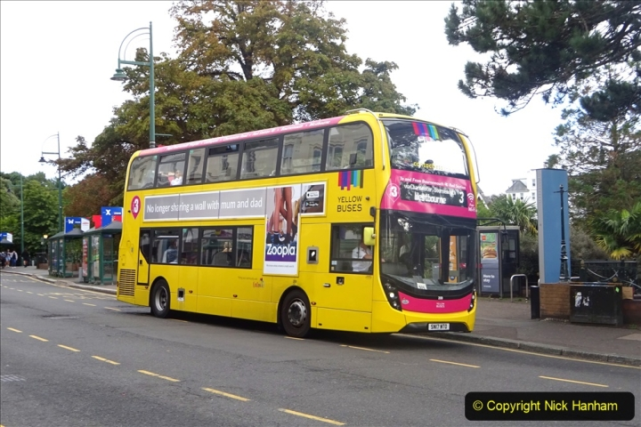 2020-09-09 More Yellow Buses Bournemouth Square. (10) 182