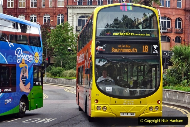 2020-09-09 More Yellow Buses Bournemouth Square. (14) 186