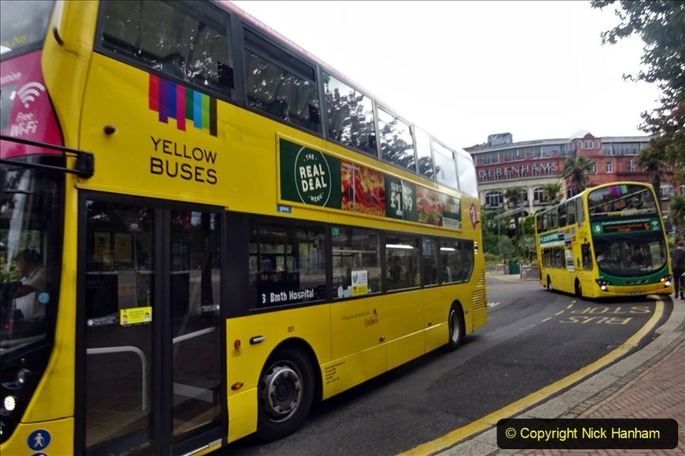 2020-09-09 More Yellow Buses Bournemouth Square. (23) 195