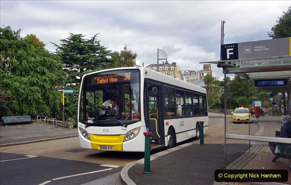 2020-09-09 More Yellow Buses Bournemouth Square. (35) 207