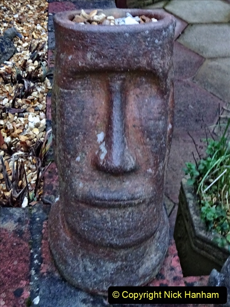 2021-01-01 Easter Island Men created between 1250 and 1500. (1) 010