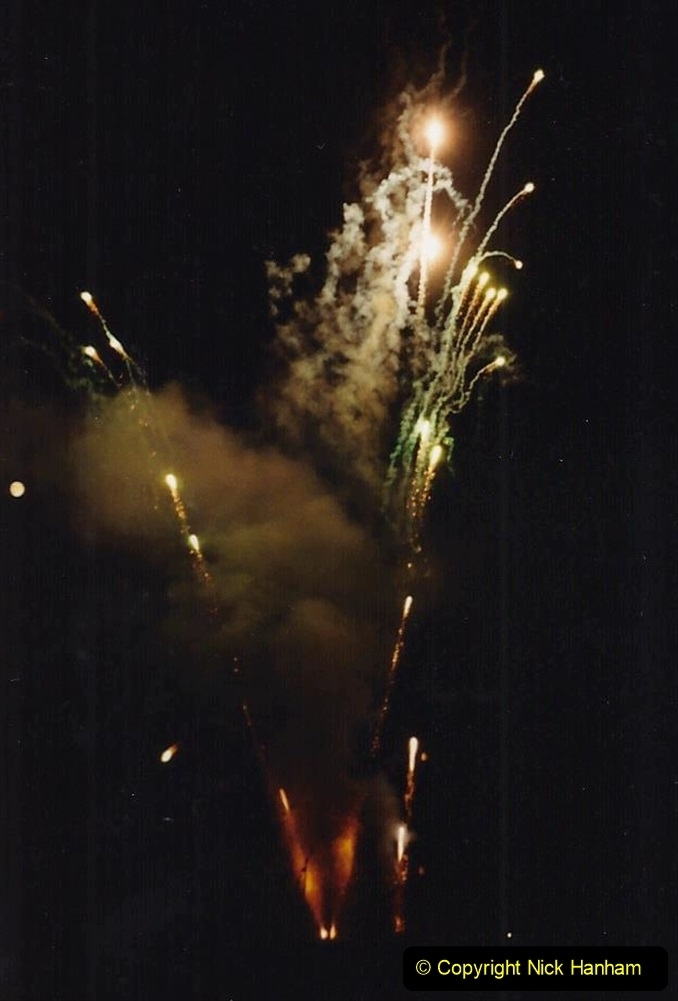 1992 Miscellaneous. (292) Humph & Helen outdoor consert at Kingston Lacy (NT) near Wimborne, Dorset. Fireworks after the show. 0294