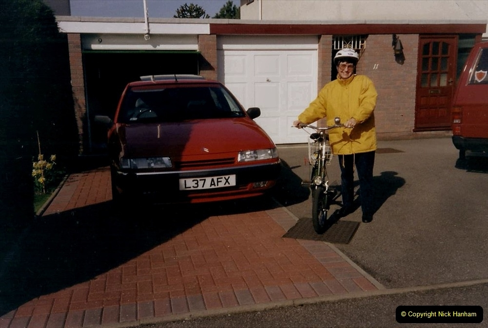 1994 Miscellaneous. (535) Your Hosts Wife off tor a ride.0439