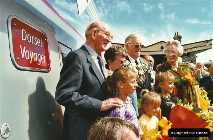 2002-09-08 Virgin Voyager named @ Swanage.  (22)109