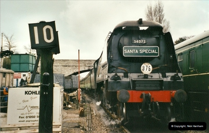 2002-12-01 Driving the DMU on Santa Specials.  (20)214